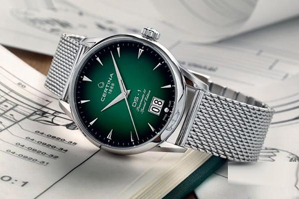 雪铁纳推出喜马拉雅系列DS-1特别版80小时长动力腕表